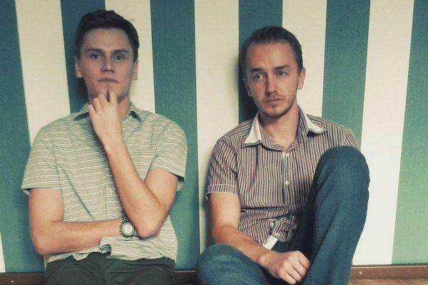 Kinsfolk. Bratranci Peter Cinkanič a Dominik Demčák zo Sobraniec sa popri štúdiu v Dánsku venujú aj hudbe.