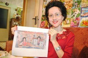 Servítková Tonka. Konečne sa jej splnil sen. Rekordmanka Antónia Kozáková má vlastnú servítku so svojou podobizňou.