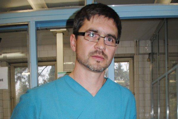 Primár OAIM Matúš Vojtko. Po 9 rokoch sa z nemeckej kliniky vrátil do Michaloviec. Hovorí, že pracovať v novej nemocnici je pre neho osobná výzva.