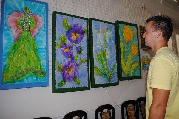 Maľba. Malá galéria MsKS sprístupnila Výstavu z depozitu – maľba. Pozrieť si ju môžete do 31. júla.