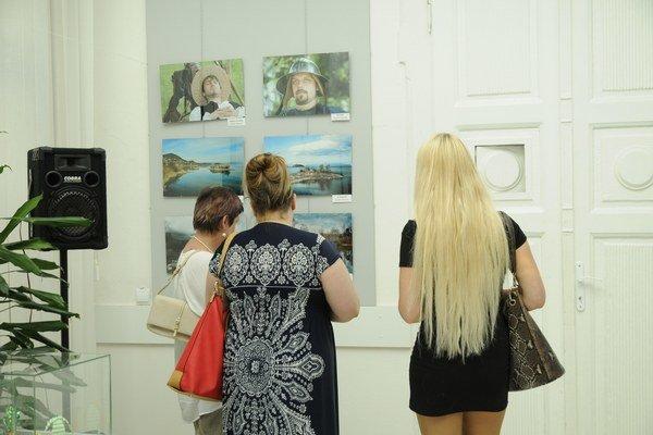 Cesta za svetlom a tieňom. Druhá spoločná autorská výstava fotografií Stanislava Orolina a Františka Demského.
