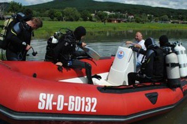 Potápači sa ponárali v rekreačných strediskách Medvedia hora a Kaluža.
