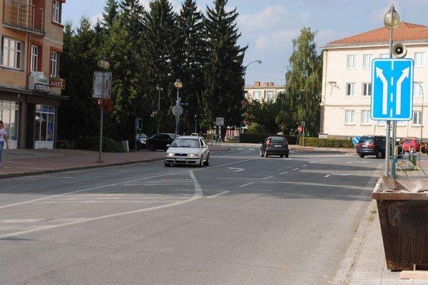 Mesto Sobrance. Optické káble rozmiestni firma v 17 uliciach mesta.