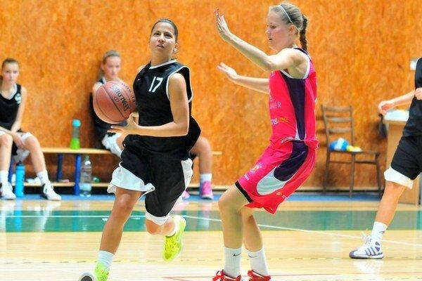 Z Tarnawy si priviezli víťazstvo. Michalovské basketbalistky triumfovali 79:72.
