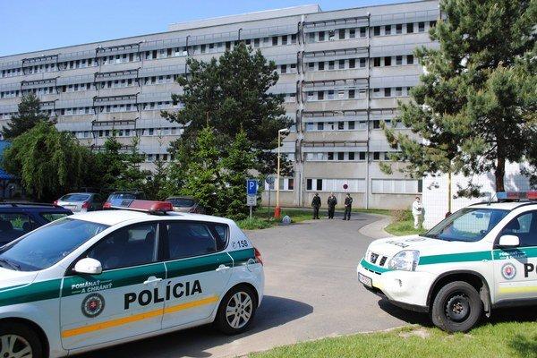 Pacientka vyskočila z druhého poschodia Psychiatrickej nemocnice v Michalovciach.