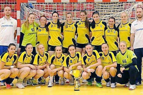 Staršie dorastenky Iuventy Michalovce. Na Česko–slovenskom pohári sa umiestnili na druhom mieste.