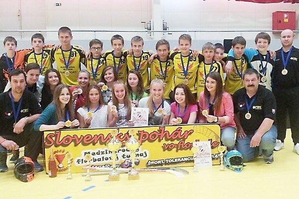 Starší žiaci Eastern Wings Michalovce. Stali sa víťazmi šiesteho ročníka Slovenského pohára.