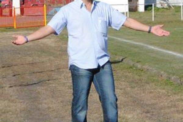 Tréner MFK Sobrance Radoslav Kačala. Po jeseni obsadil jeho tím štvrté miesto v tabuľke.