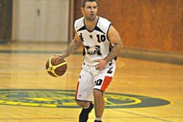 Najlepší strelec sobotňajšieho stretnutia. Michalovčan Roman Rakovský zaznamenal proti Levoči 33 bodov.