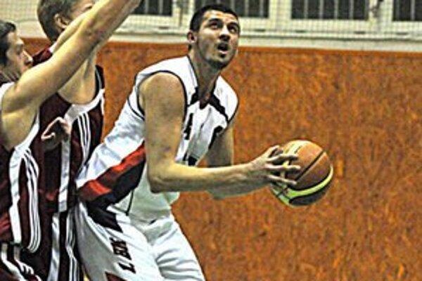Veľkou mierou prispel k výhre v derby. Lukáš Šimko zaznamenal 20 bodov.