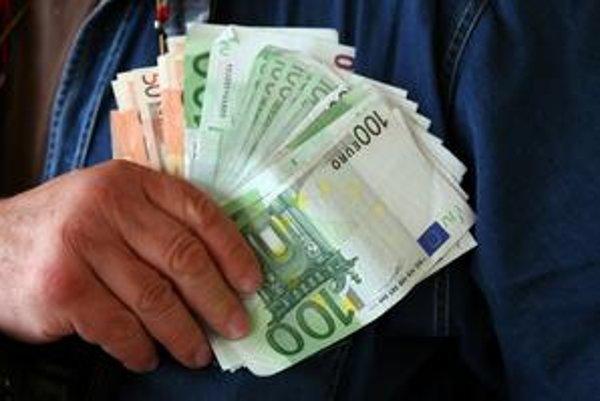 Podielové družstvo Slovenské investície vraj nie je v krachu. Ľudia, čo v ňom majú peniaze, sa však boja.