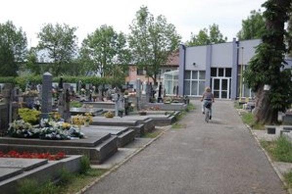 Michalovské cintoríny. Vyhľadať hroby už môžete aj virtuálne.