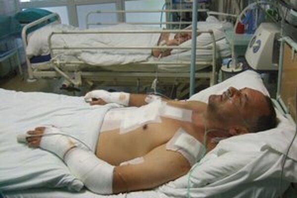 Dobodaný taxikár. Miroslav sa po brutálnom útoku zotavuje na jednotke intenzívnej starostlivosti v michalovskej nemocnici.