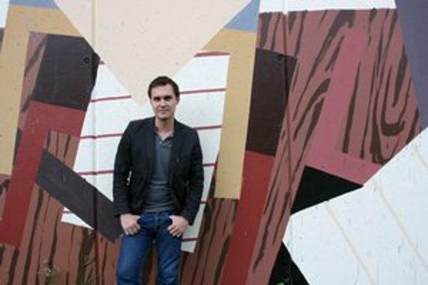 Milan Ladyka. Jeho najnovším dielom je maľba na 27-metrovom múre  v Michalovciach.