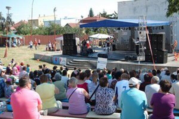 Lečofestival. Výbornú atmosféru podujatia dotváral bohatý kultúrny program.