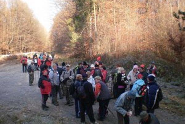 Kolová hora. Organizátori pozývajú všetkých priateľov turistiky na nenáročnú prechádzku.