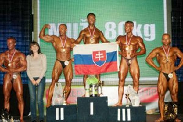 Majster sveta Martin Petro. Triumfoval v kategórii muži do 80 kg.