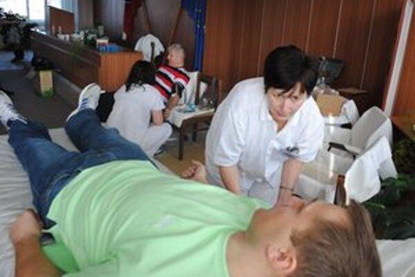 Okresné riaditeľstvo PZ v Michalovciach. Dvadsať policajtov darovalo krv priamo na polícii.