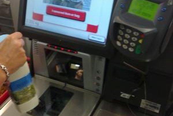 Samoobslužné pokladnice, aké používajú napríklad v Austrálii obchody Coles, zavedie u nás Tesco.