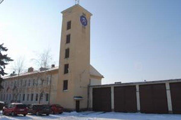 Hasičské stanice. Rekonštrukciou prejdú stanice v Michalovciach, Sobranciach a vo V. Kapušanoch.