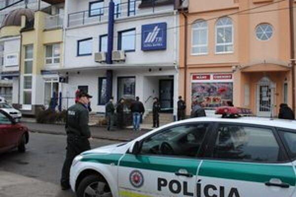 Vyhrážajúci sa opitý muž spustil policajnú akciu.