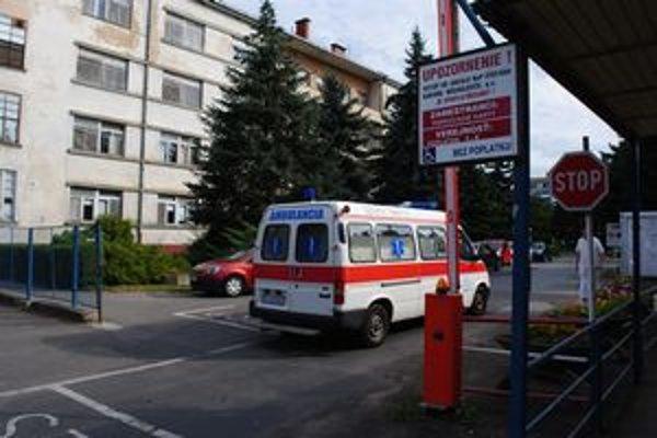 Michalovská nemocnica. Poisťovňa plánuje nezazmluvniť až 6 oddelení.