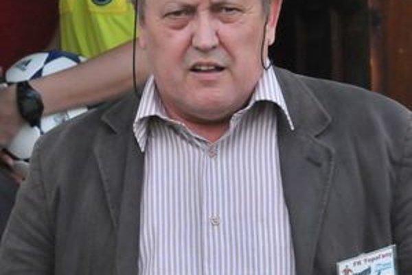 Exprezident FK Topoľany Jozef Horňák po skončení Topolian odišiel do Strážskeho.