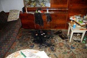 Hoci požiar nebol veľký, spôsobil v izbe silné zadymenie, v ktorom zahynula starenka.