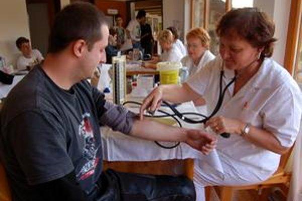 Vysoký záujem prekvapil. Pri vlaňajšom premiérovom darovaní krvi záujem motorkárov prekvapil organizátorov aj zdravotníkov.