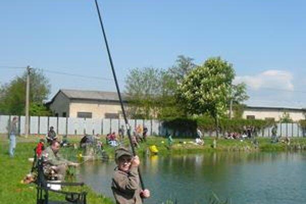 Jazierko Baňa. Súťažilo 155 rybárov, z toho 84 detí.