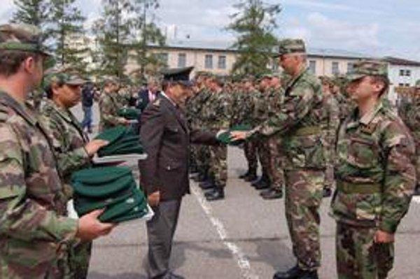 Zelené barety. Vojaci sú pripravení plniť bojové úlohy v rámci NATO kdekoľvek v zahraničí.
