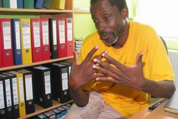 Yves Nicolas Ogou. Chce sociálny podnik zachovať aj keď sa s úradom nedohodnú.