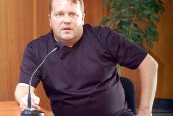 Petr Černák. Prenájom štadióna spoločnosti Soil umožní začatie prípravy ľadu.