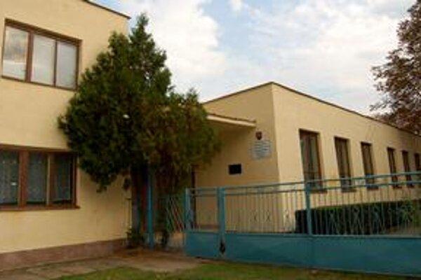 Prenájom za euro. Charita získala priestory škôlky bez súťaže, za euro a na neurčito.