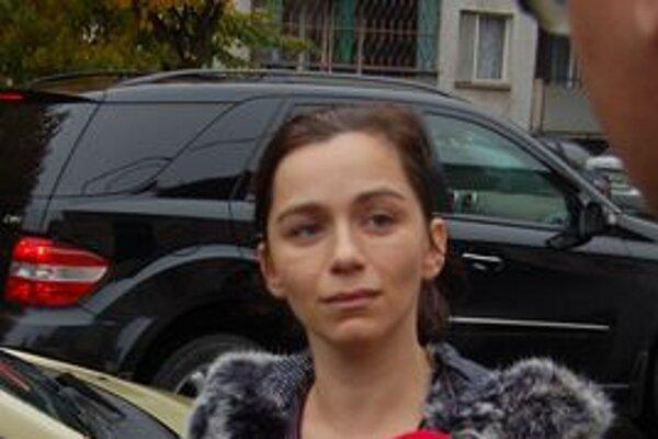 Tridsaťjedenročnú Ruslanu naložili do auta a spútali.
