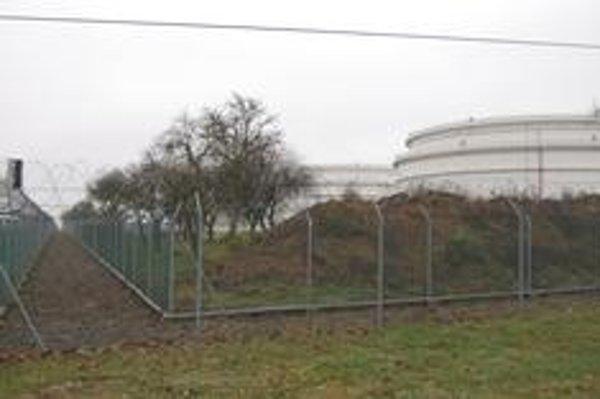 Prečerpávacia stanica. Pri Budkovciach postaví Transpetrol dve nové obrovské nádrže na ropu.