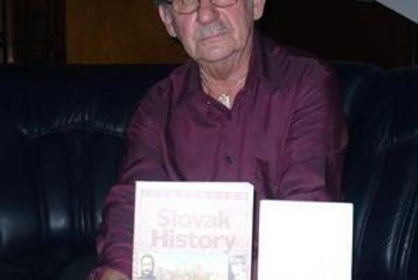 Ladislav Bolchazy. Spisovateľovi a rodákovi z Michaloviec, ktorý žije v USA, udelia čestné občianstvo.