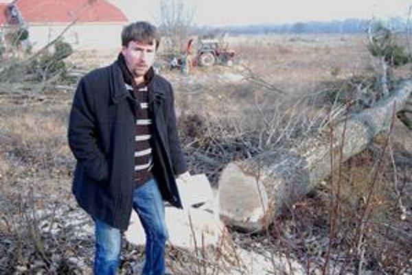 Marek Boka. Je proti výrubu. Tvrdí, že mestská časť Topoľany už nebude bez topoľov to pravé.