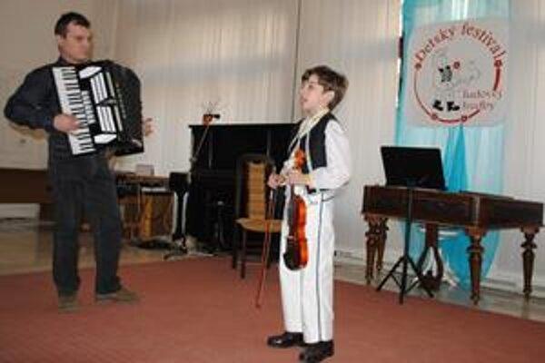 Mladý folklorista. Rodina deväťročného Ondreja Nováka má folklór v krvi.
