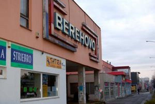 Výpredajový zoznam. Namiesto moratória poslanci navrhli pripraviť zoznam majetku na predaj. Už teraz je isté, že v ňom bude napríklad Berehovo.
