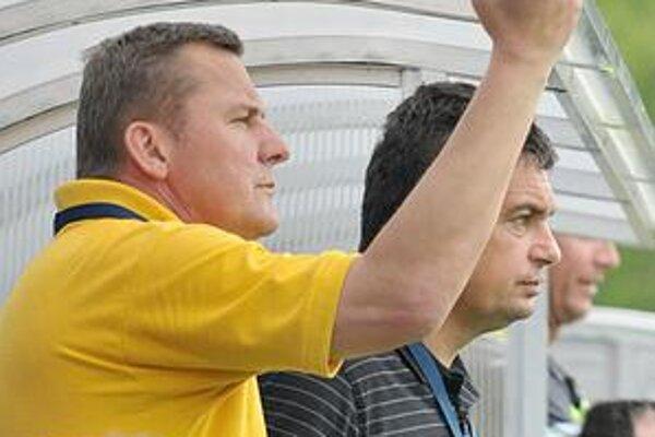 Emil Sudimák a Vladimír Rusnák ml. O tréneroch sa má rozhodnúť tiež v piatok.