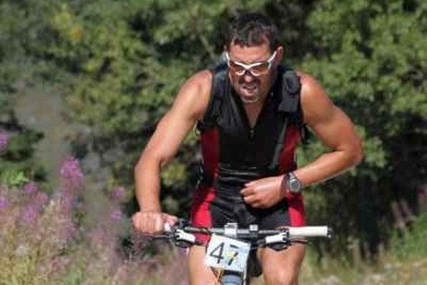 Štefan Sumerling je nielen kvalitným bežcom, tiež cyklistom.