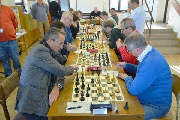 Na domácich šachovniciach. Proti Michalovciam a Košice UPJŠ B odohrali spišskonovoveskí šachisti prvé domáce prvoligové zápasy.