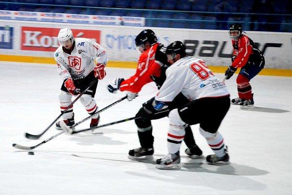 Dobrá úroveň. Tretí ročník Spišskej amatérskej hokejovej ligy sa vyznačuje vysokou kvalitou a vyrovnanými zápasmi.