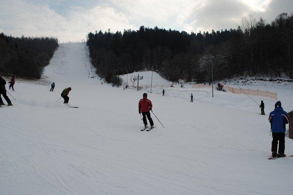 Stredisko Ski Centre Levoča. Má veľmi dobré podmienky na lyžovanie.
