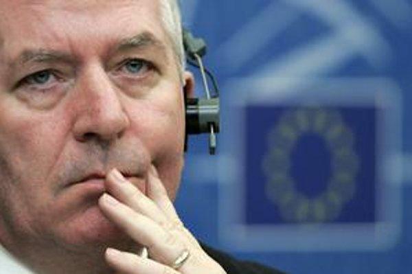 Eurokomisárovi pre vnútorný trh Charliemu McCreevymu sa nepozdáva postup Národnej diaľničnej spoločnosti pri výbere víťaza v mýtnom tendri.