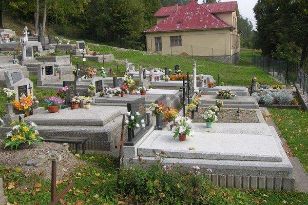 Cintorín v Spišskej Nove Vsi. Priestorovo už nepostačuje.