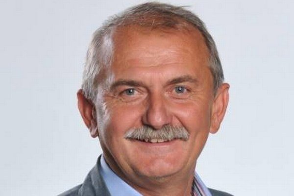 Bude sa musieť uskromniť. Pavol Bečarik bude mať v novej funkcii len okolo 1600 eur.