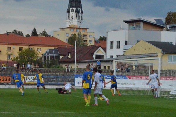 Dvakrát hrajú doma. Spišská Nová Ves po prehre v Plavnici už jeseň dohrá na domácom trávniku.