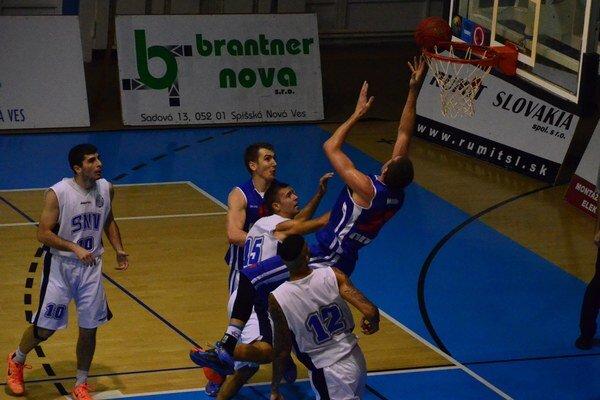 Prvé víťazstvo na pôde Spišiakov. Nitra dokonale zaskočila Novovešťanov a potrestala ich za ich malátny výkon.
